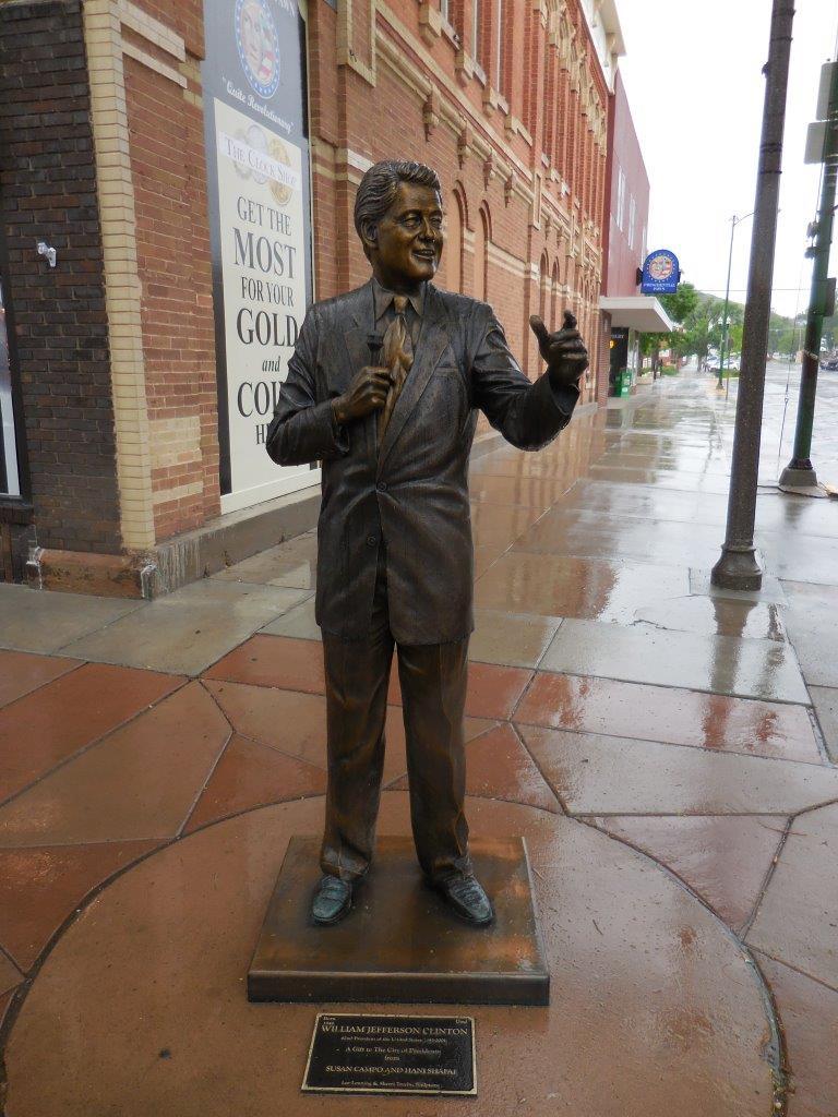 Bill Clinton statue in Rapid City, South Dakota