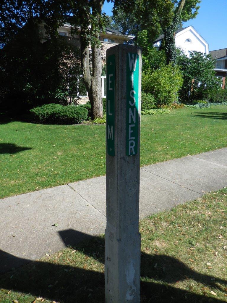 Rodham Corner in Park Ridge, Illinois
