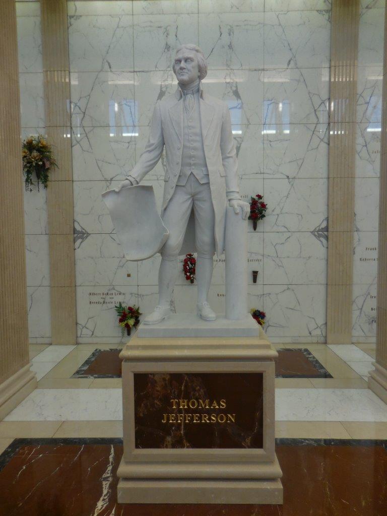 Thomas Jefferson mausoleum statue in ft worth texas