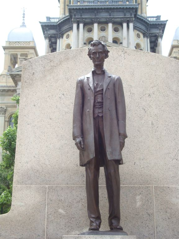 Abraham Lincoln Statue at Illinois State Capitol