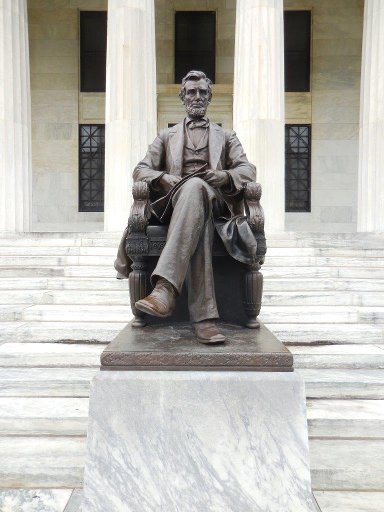 Abraham Lincoln statue at the Buffalo History Museum