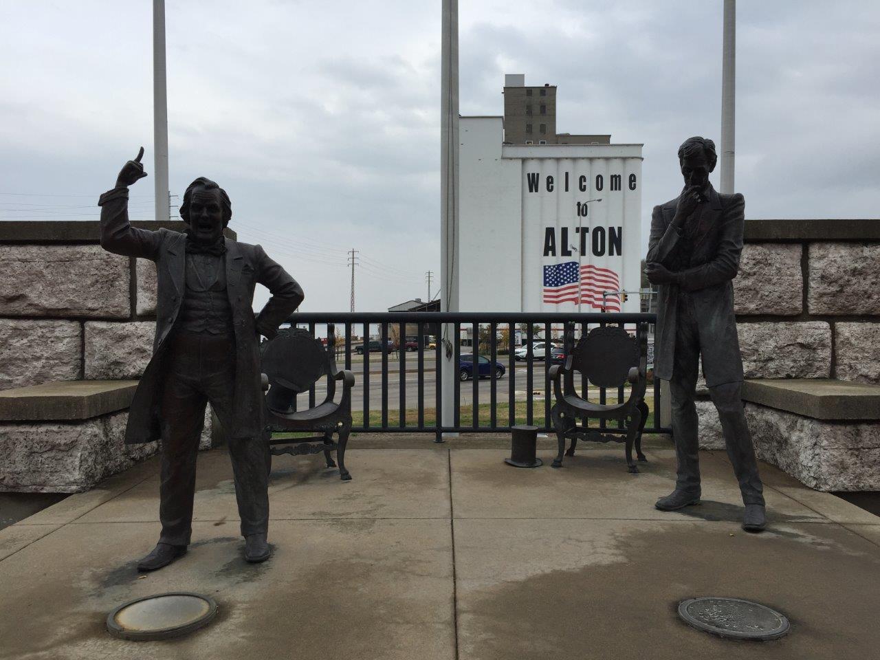 Lincoln-Douglas statue at site of last debate