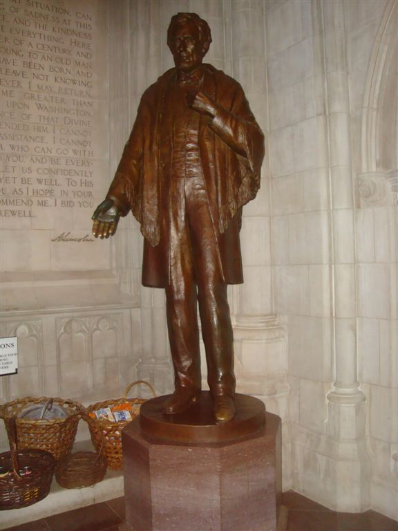 Abraham Lincoln statue in National Cathedral