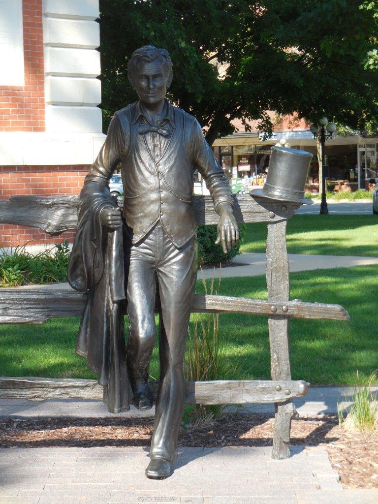Abraham Lincoln statue in Pontiac, Illinois