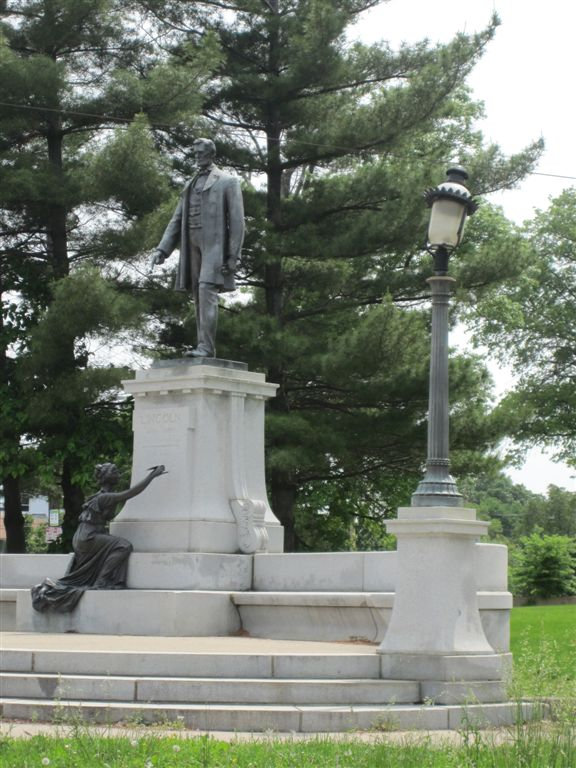 Abraham Lincoln statue in Cincinnati