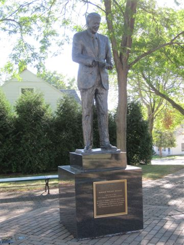 Ronald Reagan statue in Dixon, Illinois