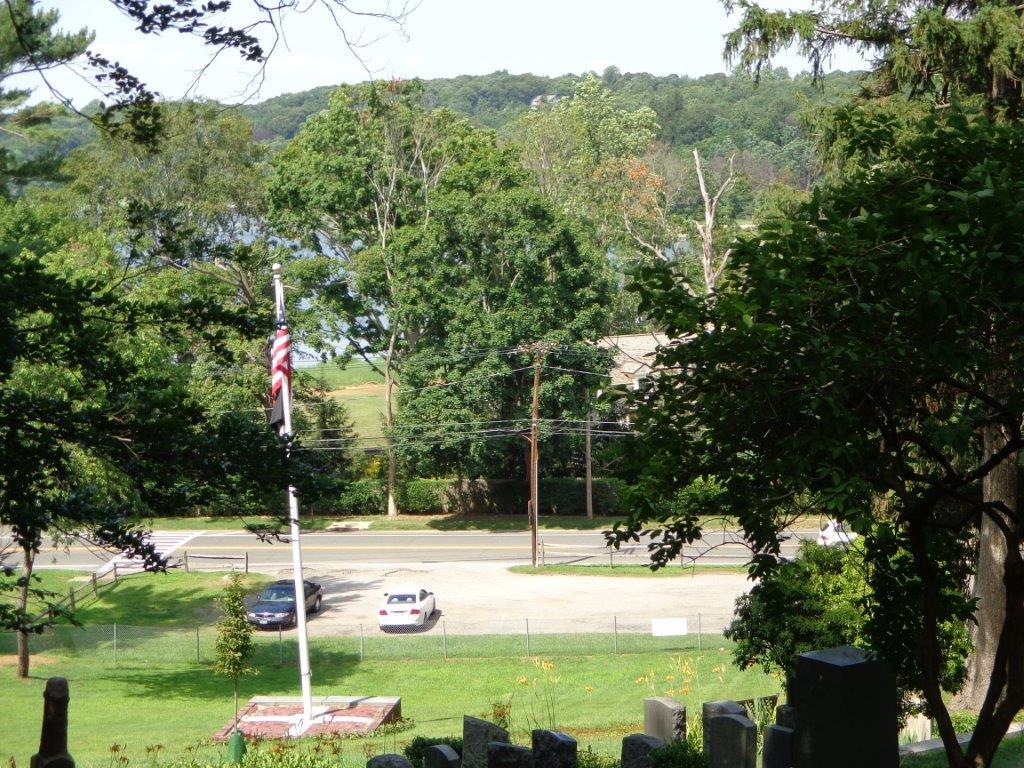 view of Oyster Bay from Teddy Roosevelt's gravesite