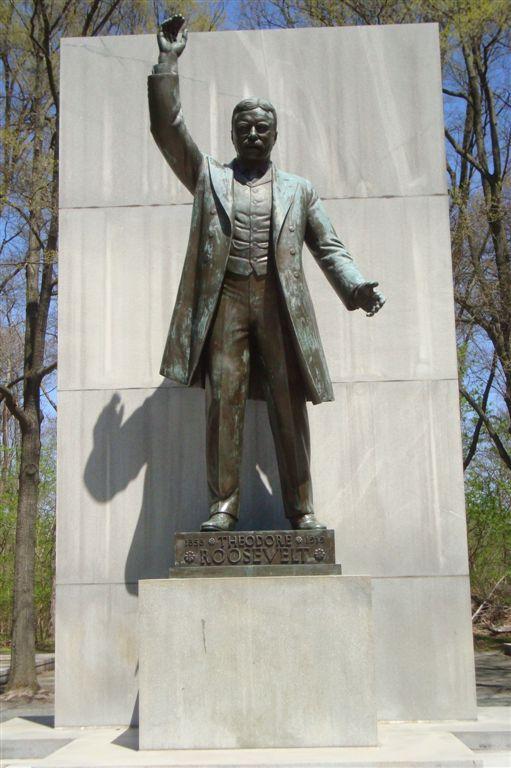 TR statue on Theodore Roosevelt island