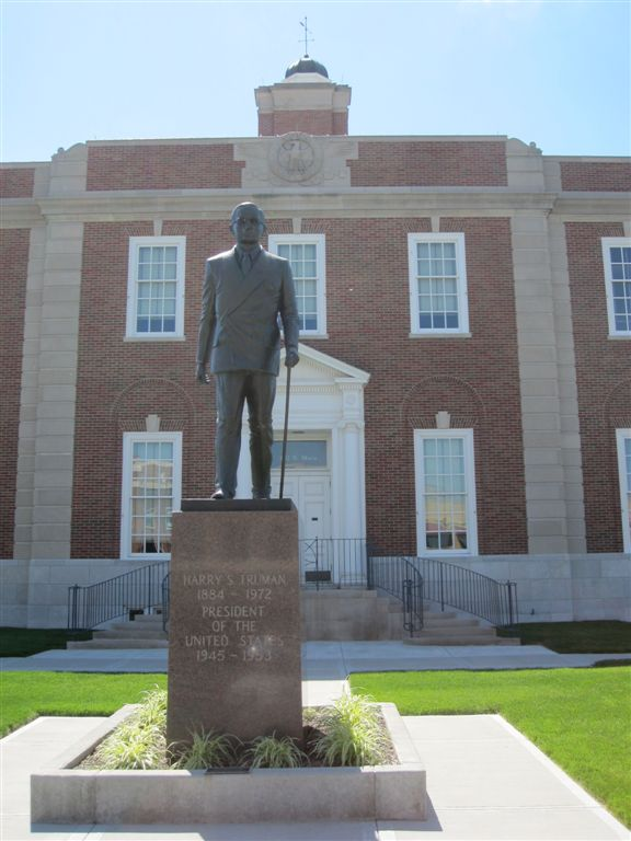 Harry Truman statue in Independence, MO