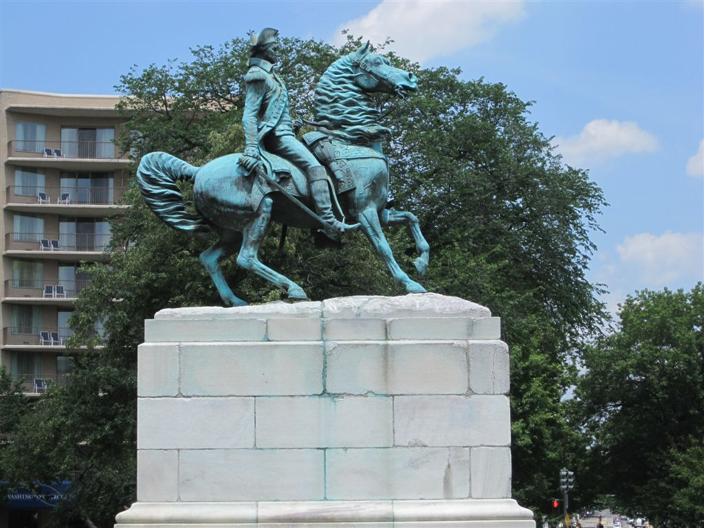George Washington horse statue in Washington, D.C.